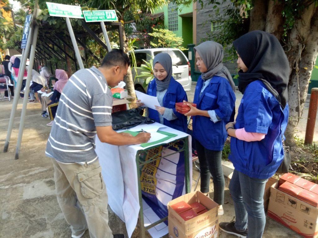 Registrasi peserta kegiatan PKM